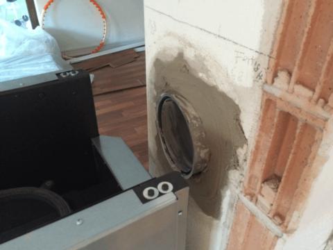 Kaminanschluss-Rohr in den Kamin eingemauert