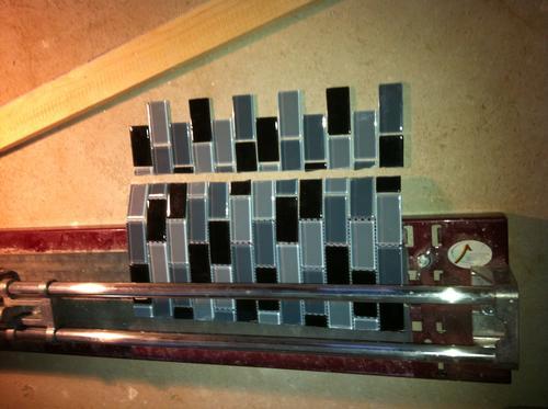 verkleben und verfugen von d nnen mosaikfliesen. Black Bedroom Furniture Sets. Home Design Ideas