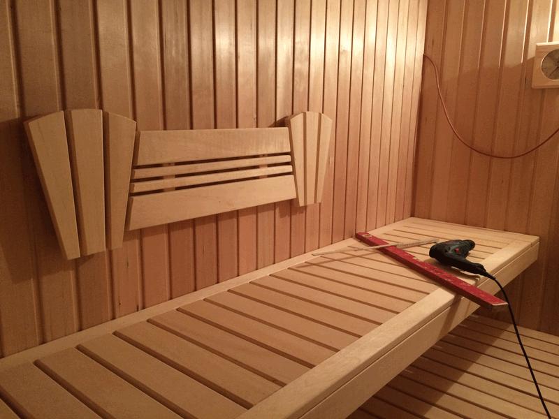 sauna teil  rueckenlehnen und saunaleuchten hausbau