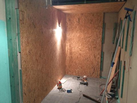 Aussenwand der Sauna aus Spannplatten