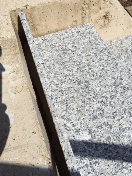 treppenstufen mit der granitabdekung ausgleichen hausbau ein baublog. Black Bedroom Furniture Sets. Home Design Ideas